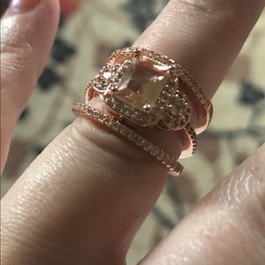 Jewelry - Rose gold trio ring set, size 6 7